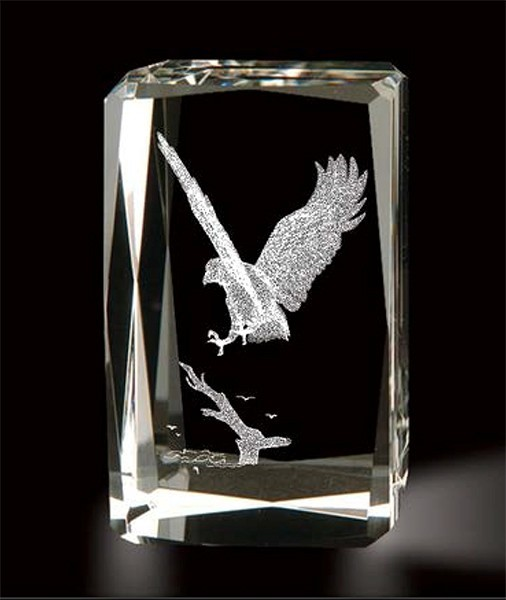 Crystal Eagle Landing Paperweight