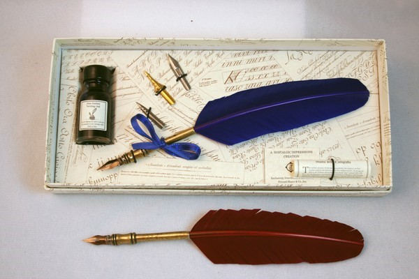 Historic Quill Pen Set  - Red