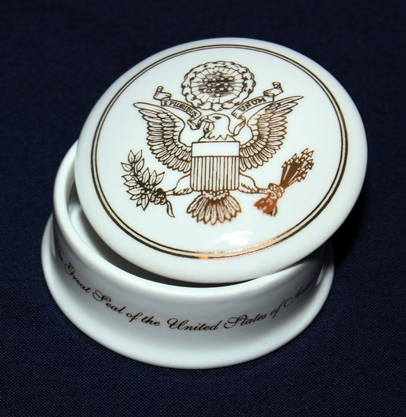 Great Seal Porcelain Box